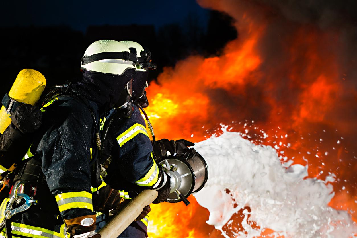 Тушение пожара картинки