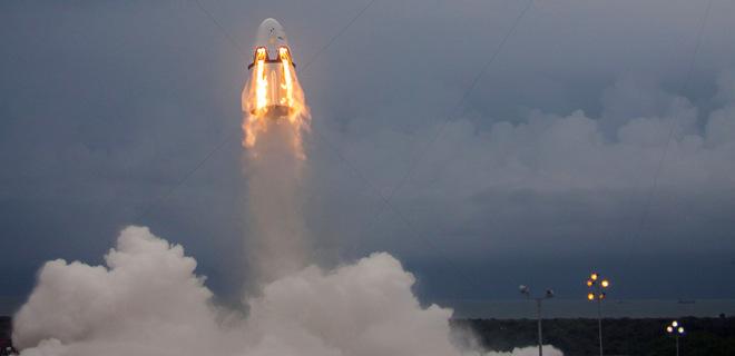 Космический корабль SpaceX доставили на космодром NASA: фото - Фото