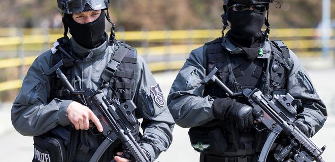 """Меньше штрафов: в Польше полиция начала """"итальянскую"""" забастовку - новости  Украины, Мир - LIGA.net"""