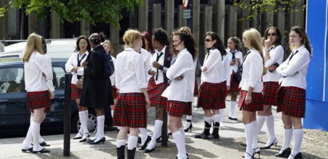 В Британии против браков по принуждению используют ложку в трусах - Фото