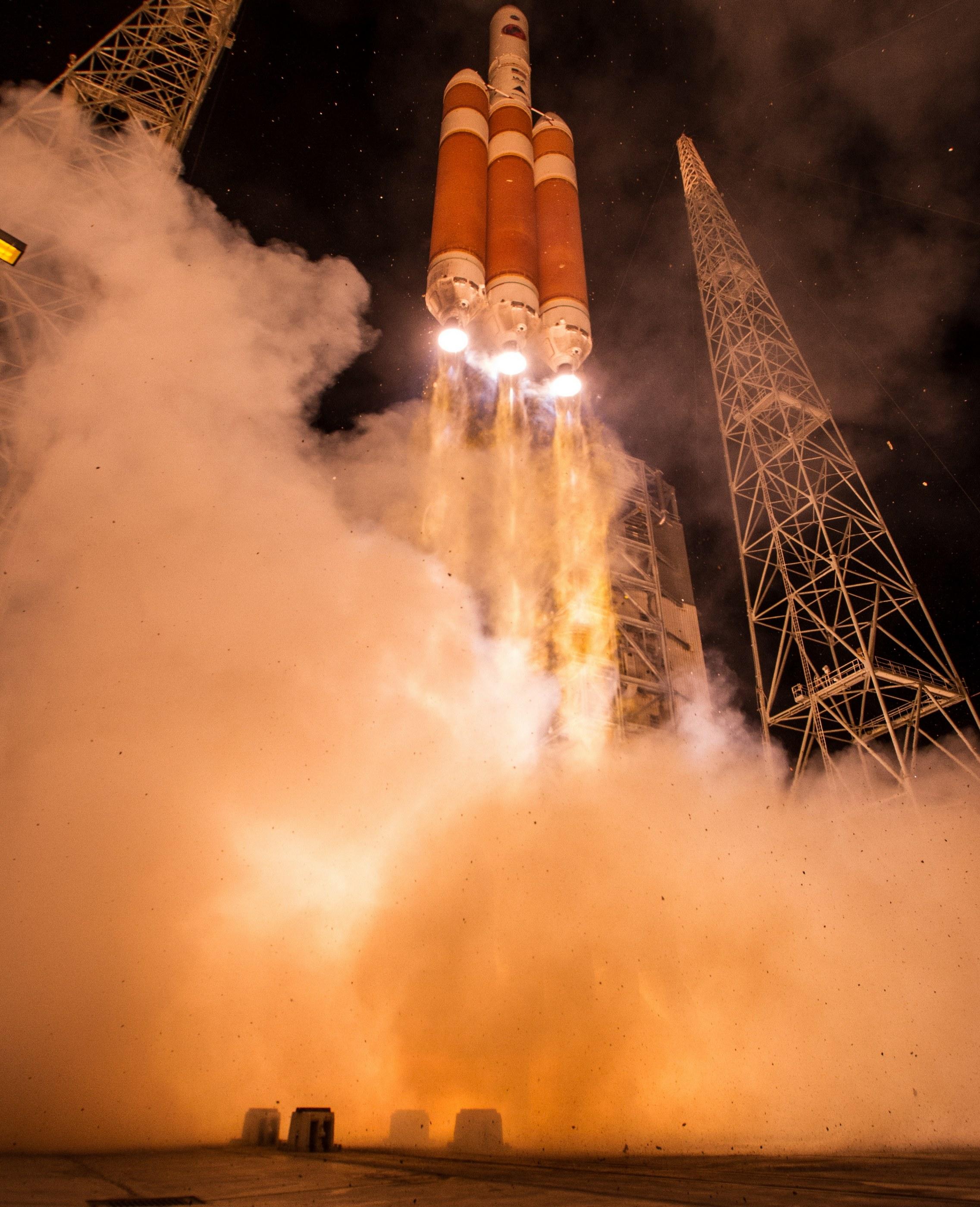 nasa probe launch - 736×1104