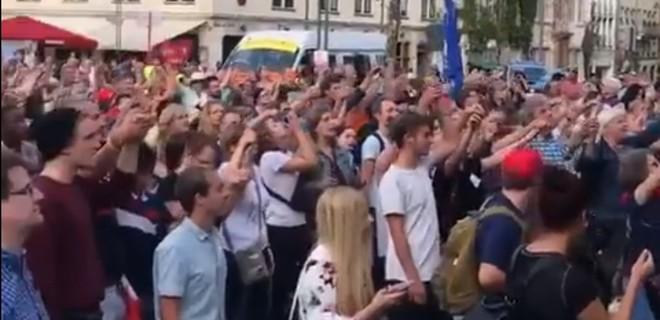 В городах Германии прошли демонстрации против правого экстремизма - Фото