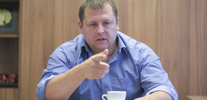 У Зеленского просят объявить досрочные местные выборы