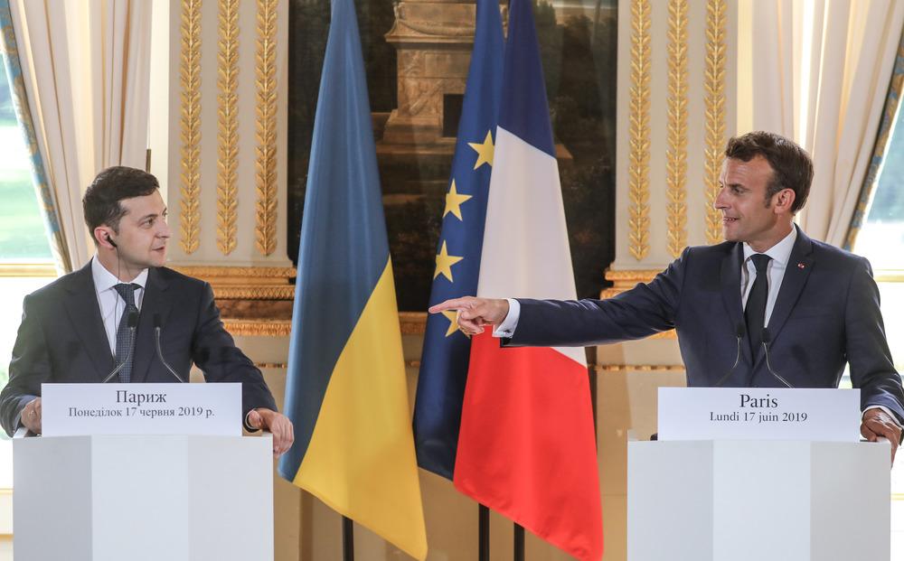 Разбираю заявление Зеленского о Донбассе, которое он сделал в Париже