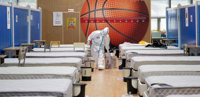 Китай уверяет, что вчера в стране никто из местных не заболел: только приезжие
