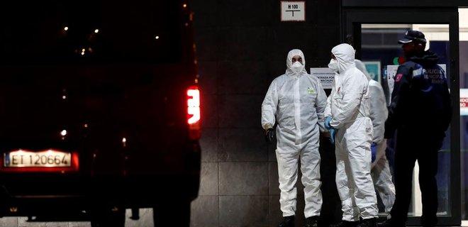 Коронавирус. Армия Испании находит брошенных и мертвых людей в домах престарелых - Фото