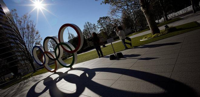 Олимпийцам в Токио раздали 160 000 презервативов, но призвали не использовать их на играх - Фото