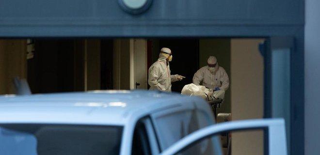 В Испании за сутки от коронавируса умерли 655 человек: последние данные