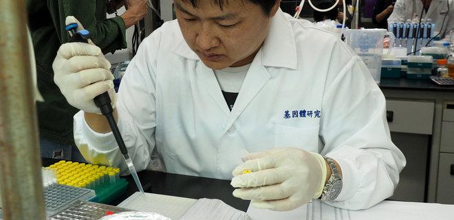 """В Китае выделили антитела, """"чрезвычайно эффективно"""" блокирующие коронавирус"""