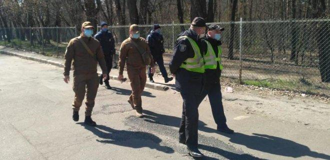 Коронавирус. В Киеве вводят принудительный карантин в очагах вспышки