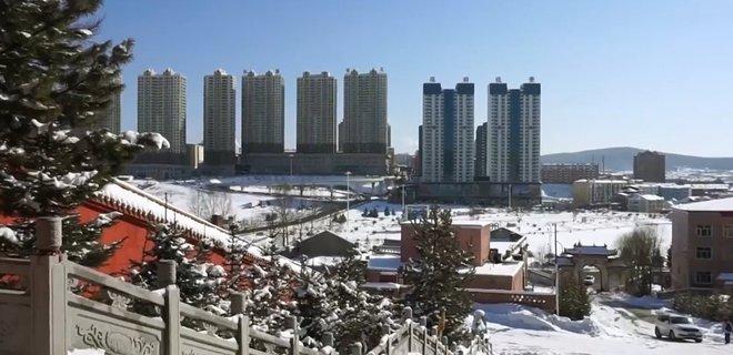 В Китае закрыли на карантин город Суйфыньхэ: боятся новой вспышки коронавируса