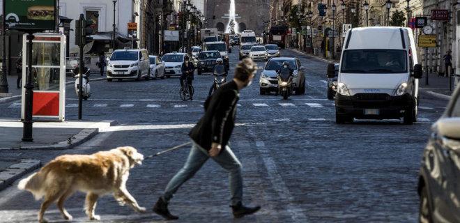Италия ослабляет карантин после восьми недель ограничений - фото