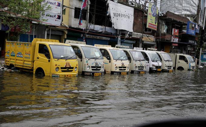 Ураган в Индии и Бангладеш: более 80 погибших, тысячи домов уничтожены - фото