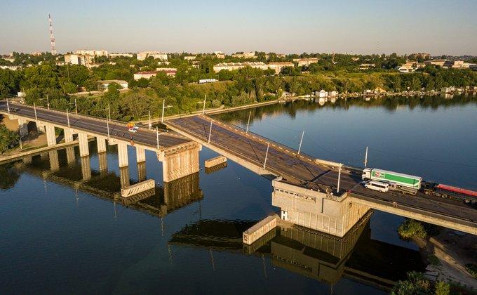 В Николаеве утром самопроизвольно поднялся разводной мост – фото, видео