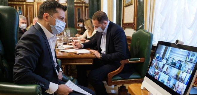 Зеленский: Украине надо разработать систему паспортов вакцинации - Фото