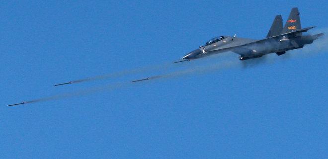 Боевые самолеты Китая зашли в зону ПВО Тайваня, истребители с острова вылетали на перехват - Фото